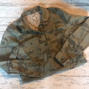 Old Navy Camp button front shirt